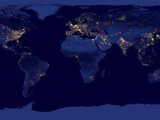 Огни ночной земли, вид из космоса на мир ночью